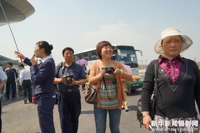 仲桂林率领义工队锦旺社区参观扬州飞机场0