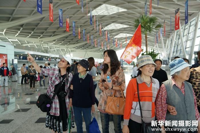 仲桂林率领义工队锦旺社区参观扬州飞机场12